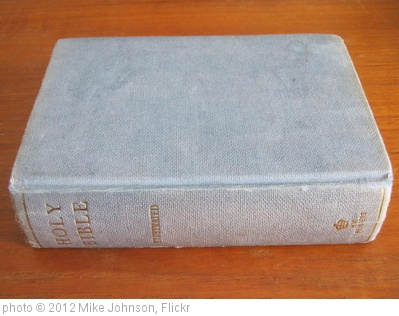 'Small 'gift' Bible' photo (c) 2012, Mike Johnson - license: http://creativecommons.org/licenses/by/2.0/