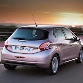 2013-Peugeot-208-HB-9.jpg