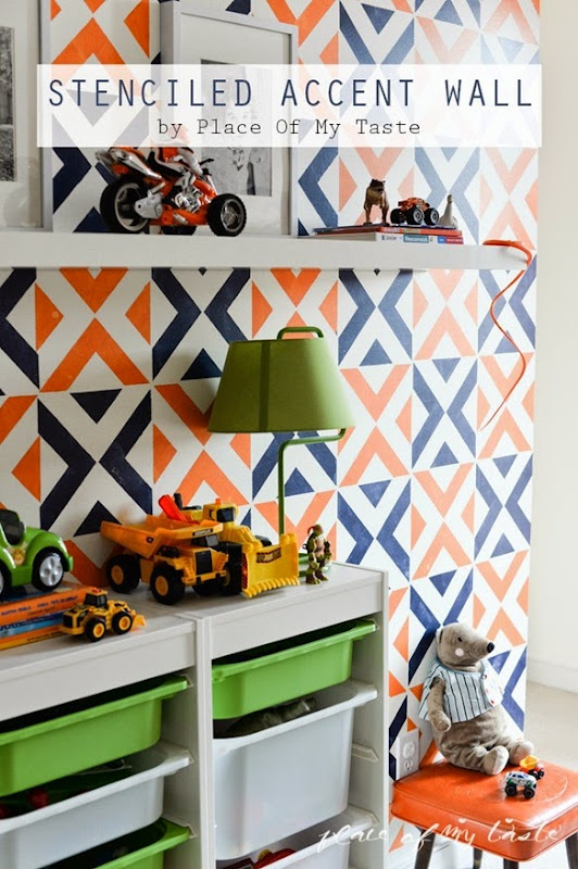 Stenciled-accent-wall-with-Royal-Design-Stencils