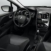 2013-Renault-Clio-4-Interior-4.jpg
