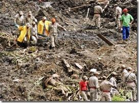 Buscas por vítimas no Morro do Bumba, em Niterói, devem durar duas semanas