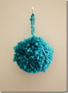 Pom-Pom-Christmas-Ornament