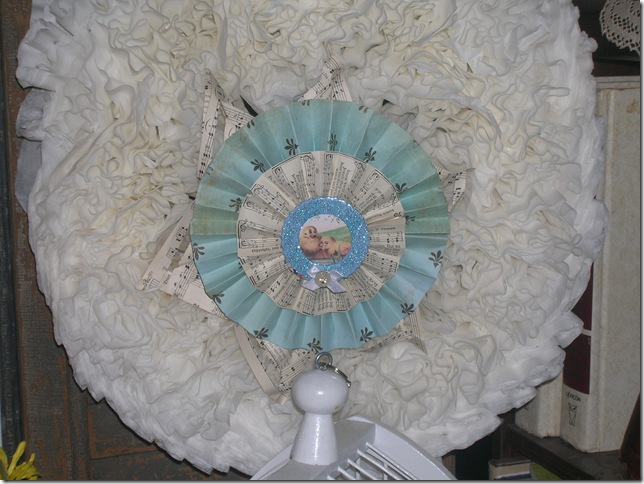 friendshare and spring decorating rag wreath 027