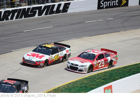 'Kevin Harvick and Greg Biffle, 2013 STP Gas Booster 500' photo (c) 2013, chayes_2014 - license: http://creativecommons.org/licenses/by-sa/2.0/