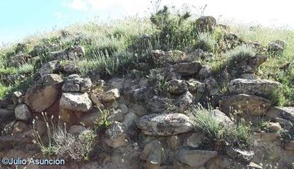 Restos de muralla - Castro de Turbil - Beire