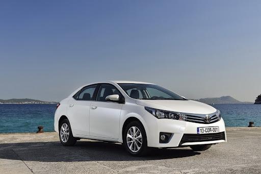2014-Toyota-Corolla-47.jpg