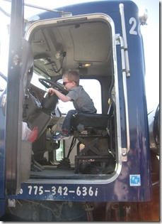 04 27 13 - Little Kids on Big Rigs (2)