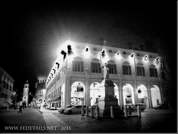 Corso Martiri della Libertà by night, Ferrara, Emilia Romagna , Italy - Property and Copyrights of FEdetails.net