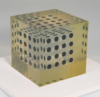 Enzo Mari Cubo 21 sculpture