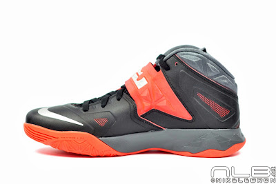 lebrons soldier7 black red 02 web The Showcase: NIKE SOLDIER 7 Miami Heat Away Edition