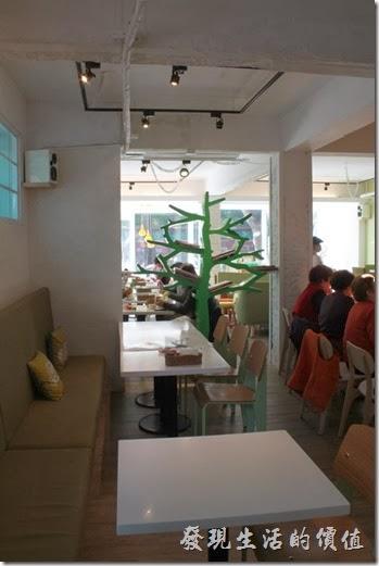 台南-小莫里。餐廳一隅。