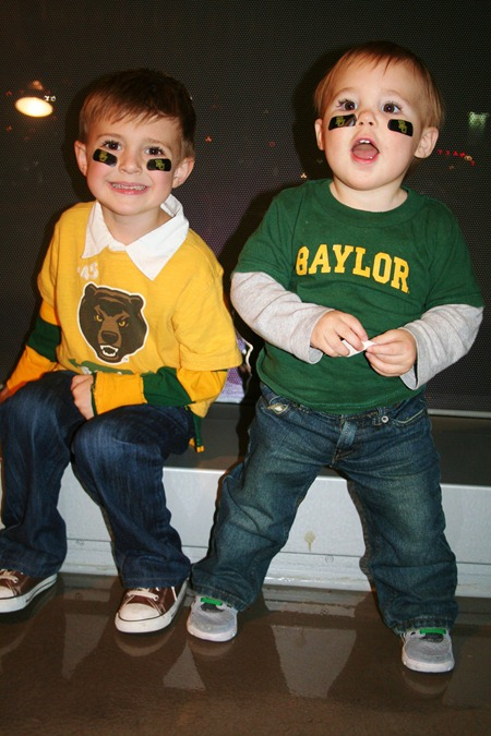 more Thanksgiving and Baylor game 087