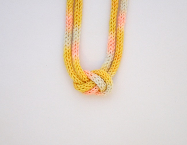 knitted knotted necklace 5a