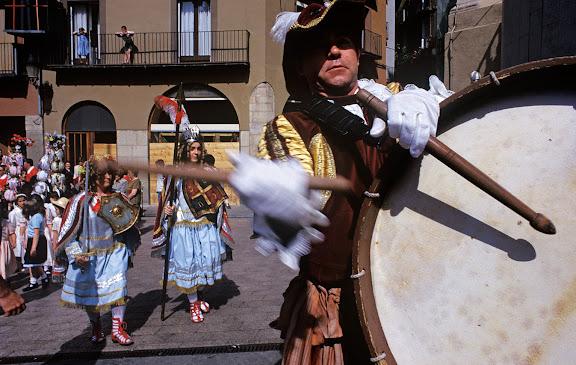 El tabaler, anada a OficiLa PatumBerga, el Berguedà, Barcelona1997