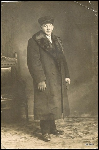 Grandpa Walter Brown in 1910 as he left Scotland - 26 yrs old