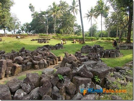 Menjelajah Candi Ratu Boko_07