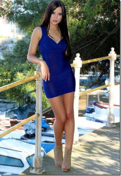 tight-dresses-girls-7
