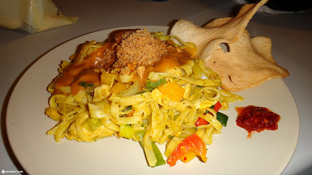 my best dish so far: Indonesian Bami Goreng with Shrimp chips, Sambal and peanutsauce in Toronto, Ontario, Canada