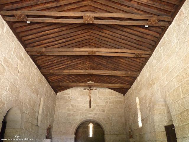 interior-iglesia-de-san-miguel-guimaraes.JPG