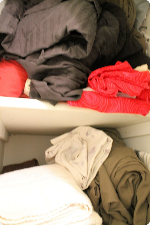 bathroom organization messy linens