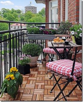 1285168901_balcony_plants7