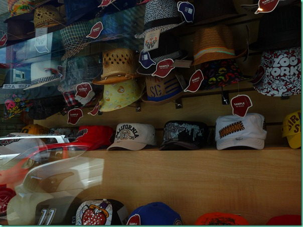 A wholesale seller of caps in the duty-free zone, Casa de Gorras, might supply all of Central and South America.