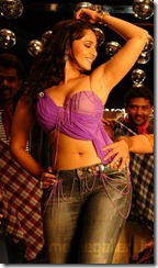 anushka latest hot still
