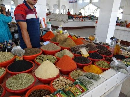 08. Piata de mirodenii din Bukhara, Uzbekistan.JPG