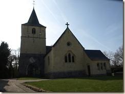 Walsbets, Wezerenstraat: Sint-Jan de Doper-kerk gebouwd door de ridders van Sint-Jan, met romaans-gotische toren en koor uit de 13de eeuw
