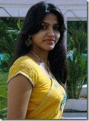 dhanshika_in_yellow_saree
