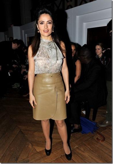 Salma Hayek Celebs Yves Saint Laurent Show qzFfMUd9-Djl