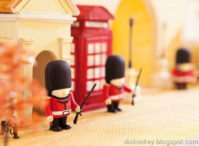 Queens Guard Soldier USB flash drive