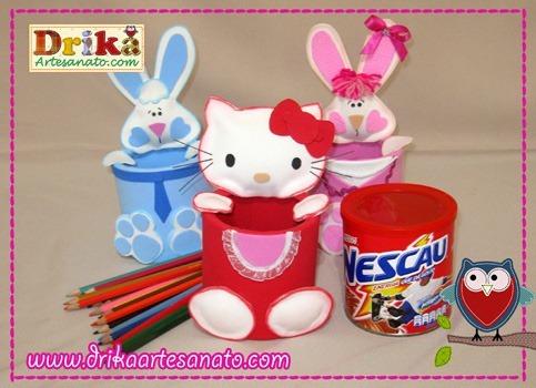 Hello-Kitty-com-lata-reciclada-e-coelhinhos