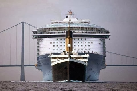 MS Allure of the Seas vs Titanic