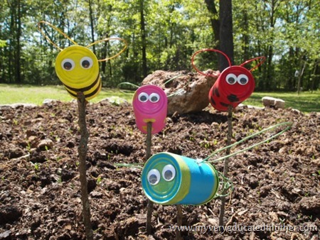 Tin Can Creatures4 via @mvemother #upcycle #recycle #yardart