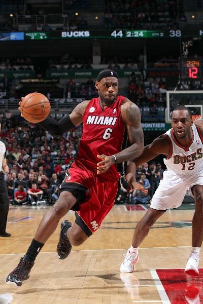 Heat Grab Commanding Lead James Debuts LeBron X Elite Away PE
