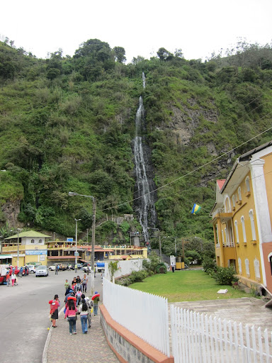 Baños de la Virgen baths at left, situated below a waterfall of the same name