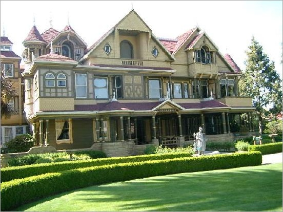 Winchester-Mystery-House-10