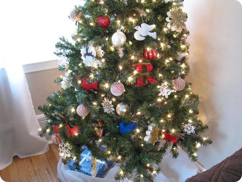 holiday_treeskirt_athomewithh