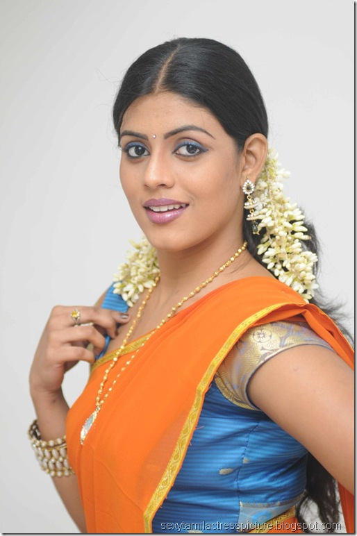 vaagai_sooda_vaa_Iniya_in_Half_Saree_Photo_03