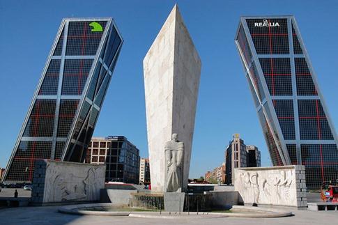 31. La Puerta de Europa Torres (Madrid, España)