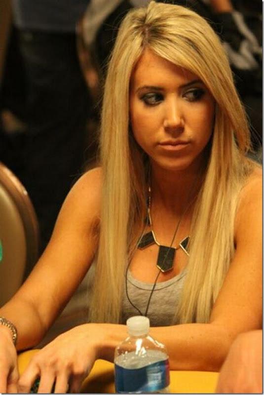 As garotas mais sexys jogarodas de poker (3)
