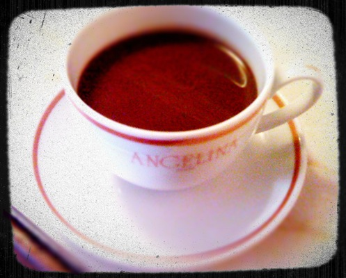 A cup of chocolat chaud l'Africain