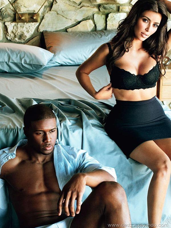 kim-kardashian-linda-sensual-sexy-sedutora-boob-peitos-decote-ass-bunda-gostosa-desbaratinando-sexta-proibida (26)