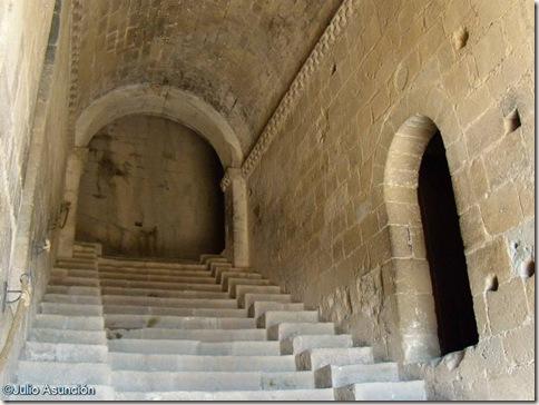 Pasillo de entrada al castillo de Loarre - Huesca