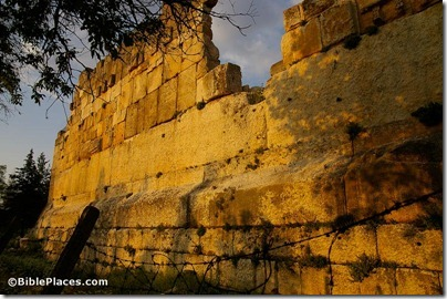 Baalbek, Jupiter Temple western wall trilithon, adr090511208