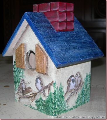 maison d'oiseau tirelire