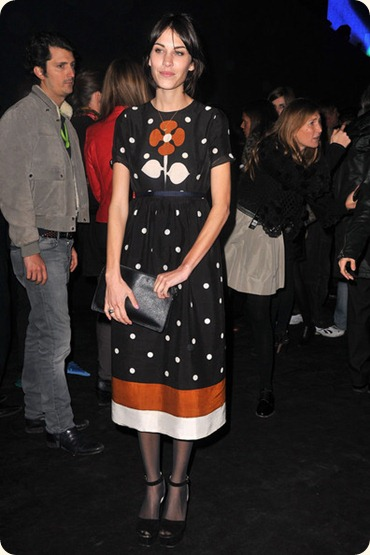Alexa Chung Etam Fashion Show Arrivals 2011 RX7eO64Nywil