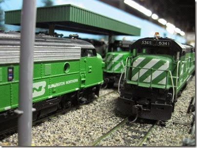 IMG_5501 Burlington Northern F7A #722 & U30C #5341 on the LK&R HO-Scale Layout at the WGH Show in Portland, OR on February 17, 2007
