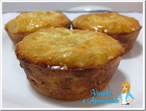 Muffin de parmesão com atum